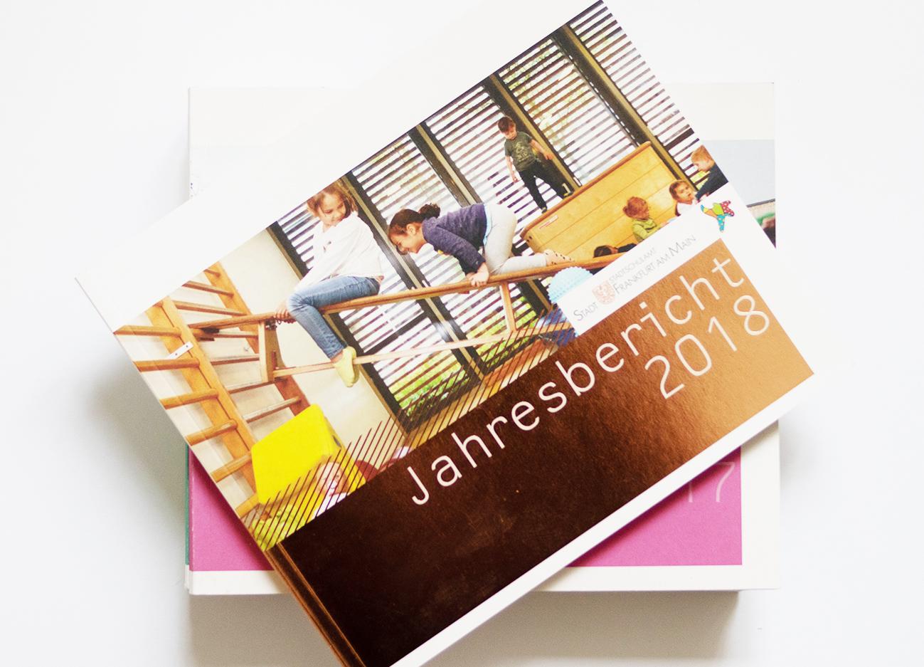 Cover Jahresberichte