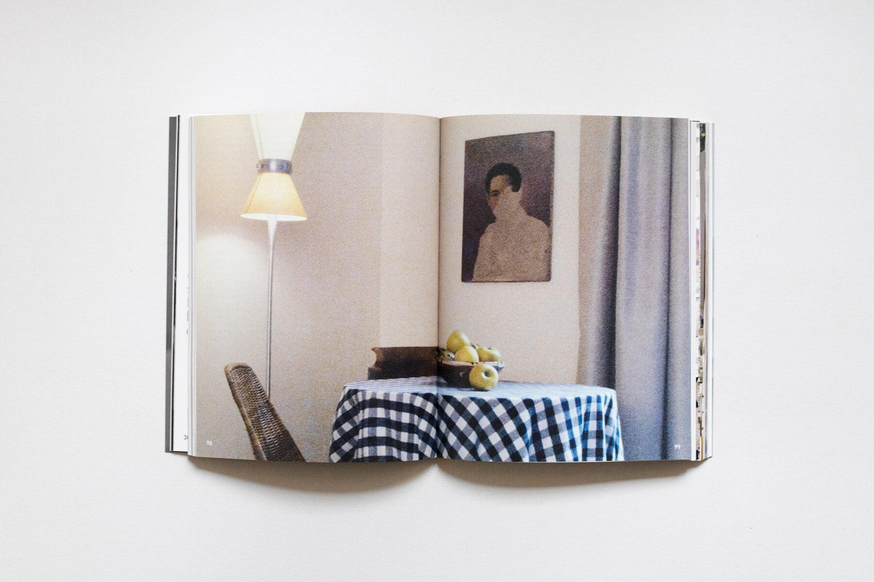 Buchausschnitt des Jubiläumsbuchs von serien.lighting